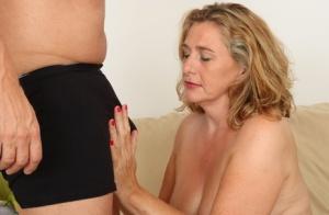 Moms Seducing Porn