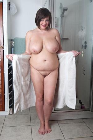 Moms In Shower Porn