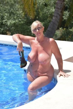 Moms At Pool Porn