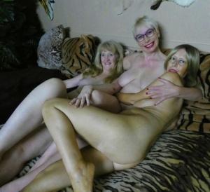 Humping Moms Porn
