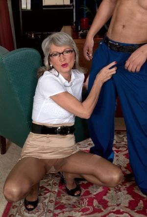 Sexy Moms Porn