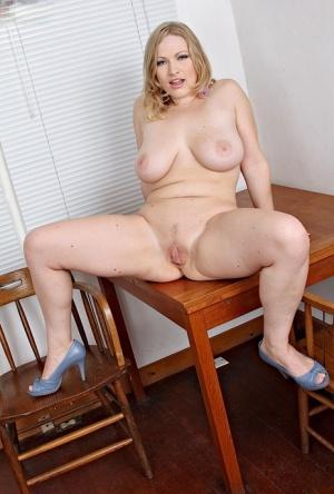 Moms Pussy Porn