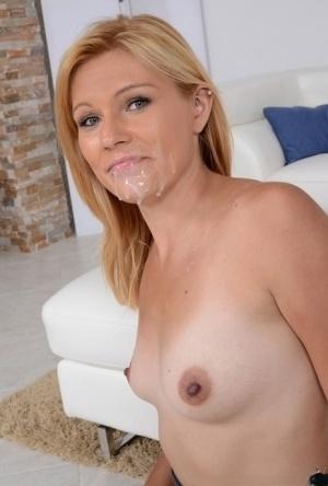 Moms Cumming Porn