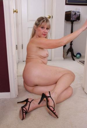 Moms Legs Porn