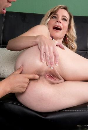 Anal Moms Porn