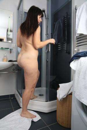 Bathing Moms Porn
