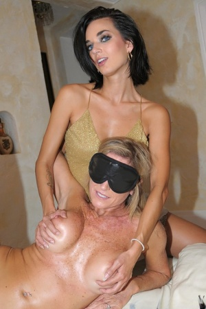 Blindfolded Moms Porn