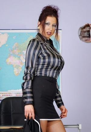 Secretary Moms Porn