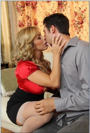 Moms Kissing Porn