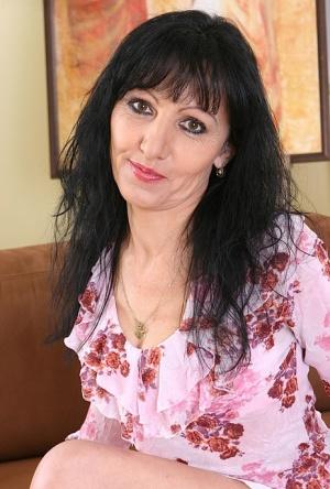 Brunette Moms Porn